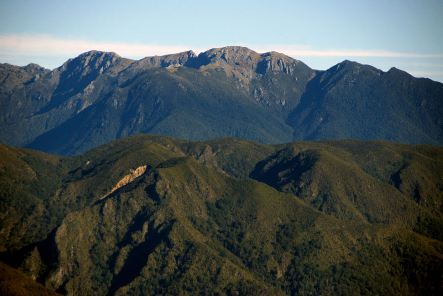 The Snowden Range and Mt Snowden (1859m) from Takaka Hill.