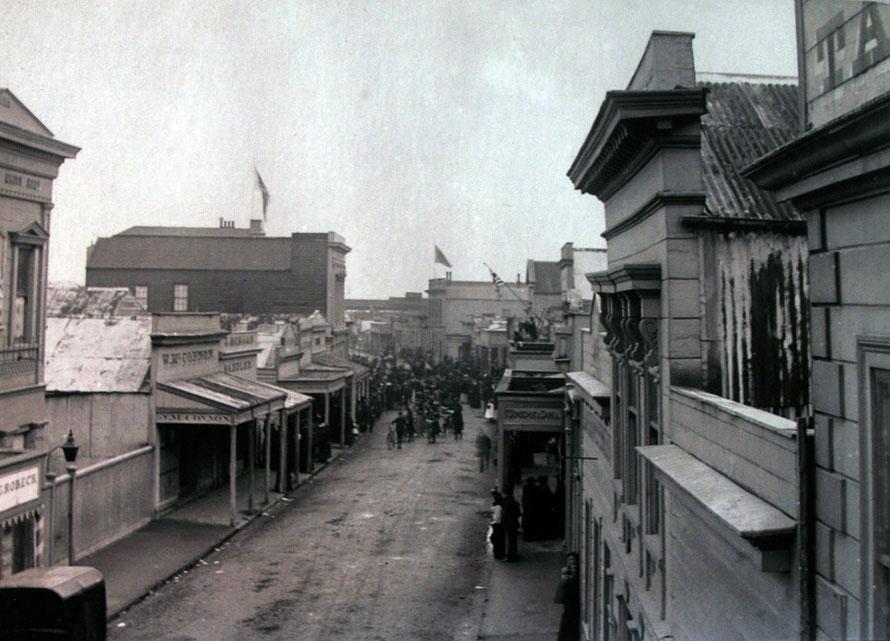 Revell Street, Hokitika 1914 (Hokitika Museum)