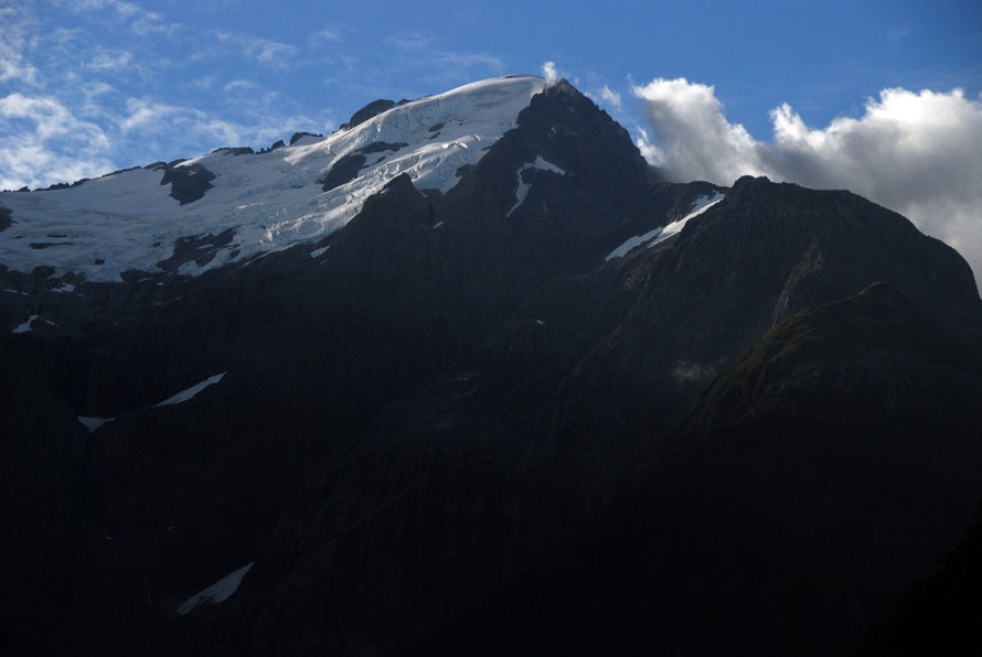 Mt Pembroke (2015m) and the Pembroke Glacier which disappears below 1200m.