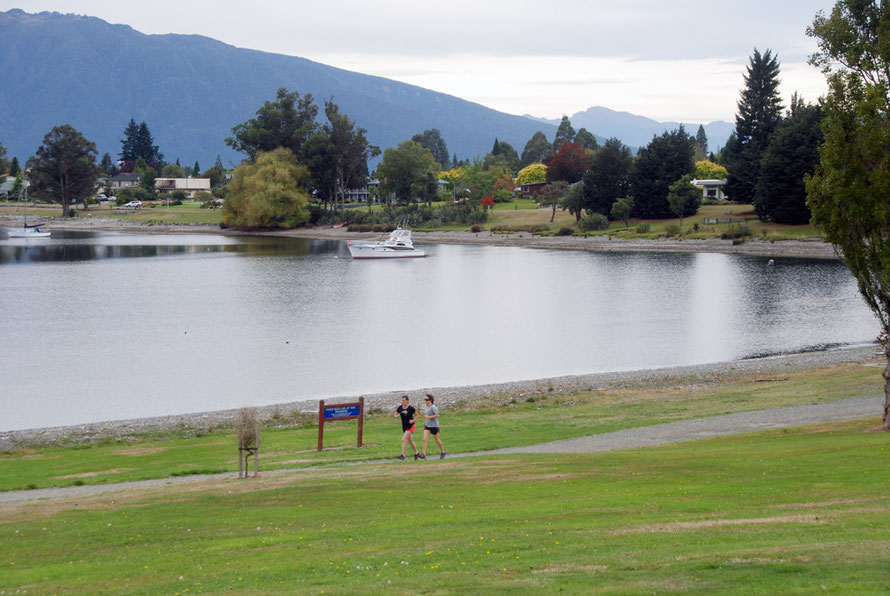 Lake Te Anau at Te Anau. The lake's level is controlled by the Manapouri hydro scheme and 'artificial replenishment of beaches on the lakeshore adjacent to Te Anau township has been carried out in rec