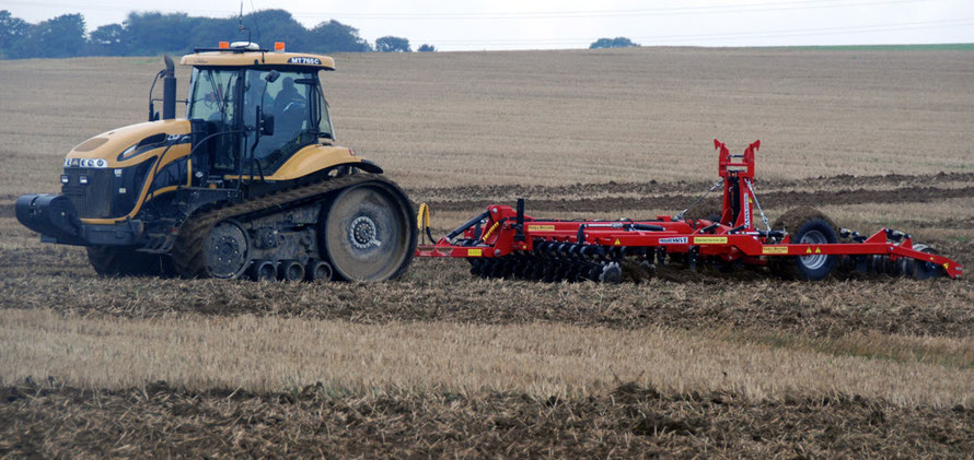 CAT Challenger M2765C tracked tractor and single pass cultivator, East Kent Ploughing Match 2010, Eastry