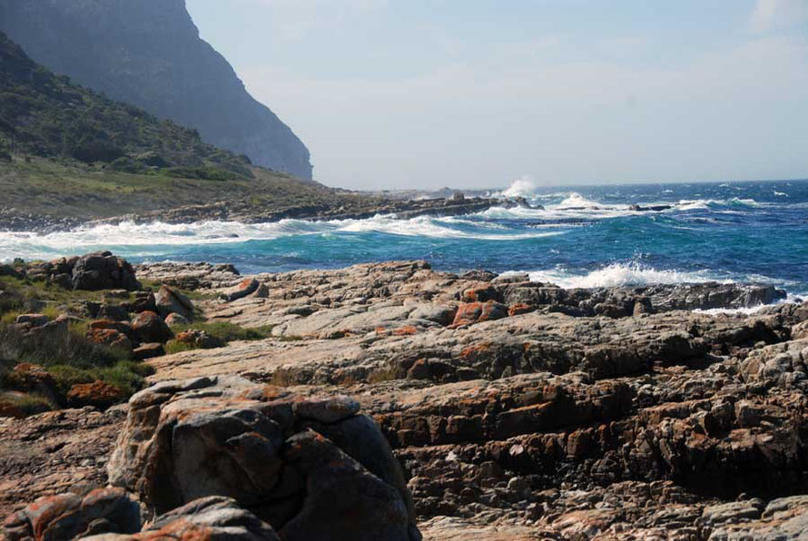 Tumultuous seas and treacherous currents near Smitswinkel Bay, Cape Point