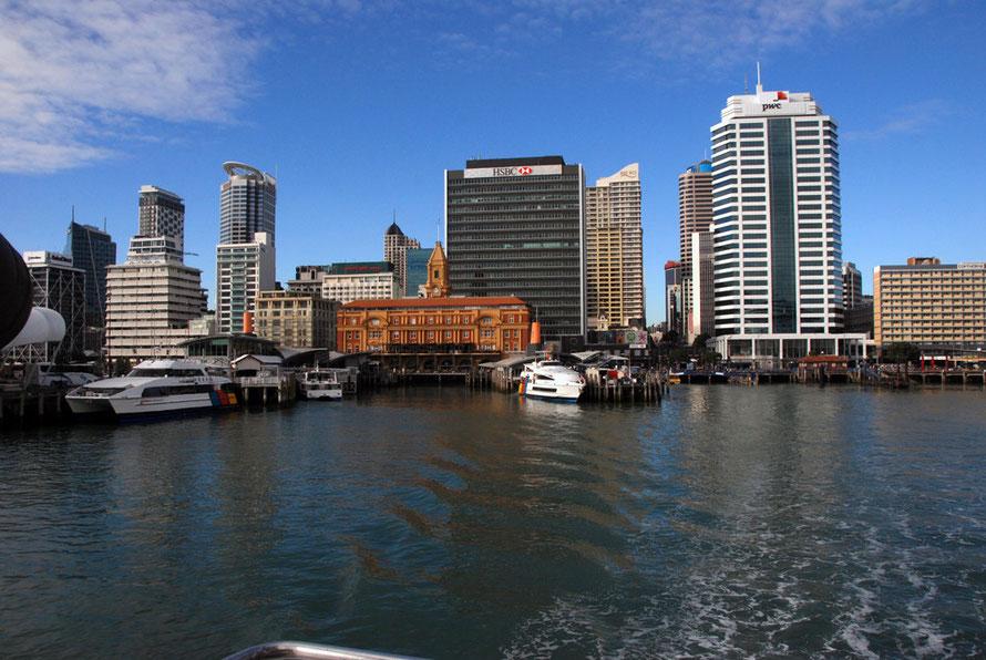 Leaving Auckland on the Tiritiri Ritangi ferry.