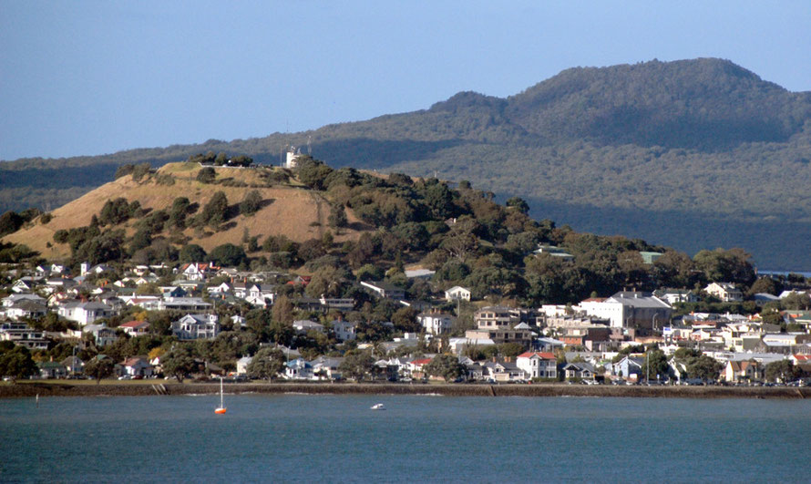 Auckalnd has 50 volcanic cones - here is Maungauika in Devonport and the 600 year old shield volcano of Rangitoto Island with its big expanse of pohutukawa forests.