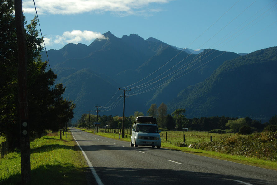 The sky clear and the traffic sparse: State Highway 6 heading to Whataroa and Hokitika.