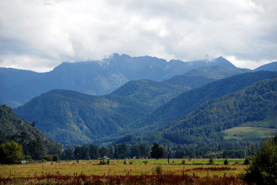 The looming Glasgow Range (1,459m) from the Four Rivers Plain in the Upper Buller Valley