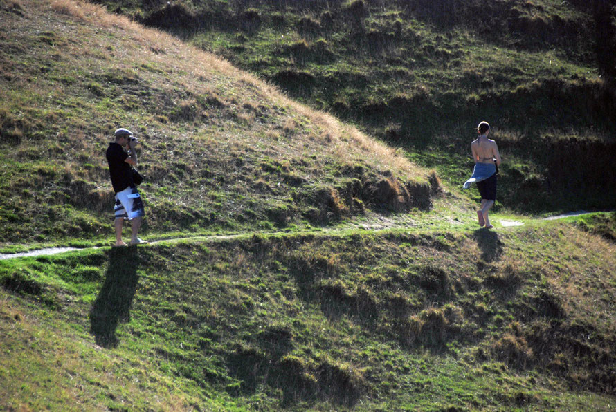 Snapper snapped: French couple on the path to Wharariki Beach, Golden Bay.