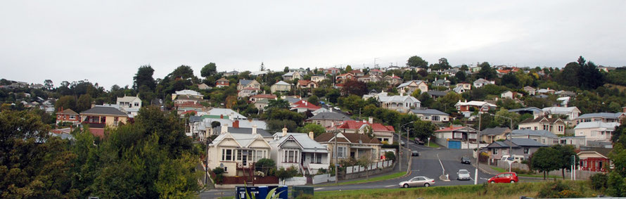 The extensive suburbs of South Dunedin: costorphine and Calton HillThe extensive suburbs of South Dunedin with Edinburgh names:  Costorphine and Calton Hill
