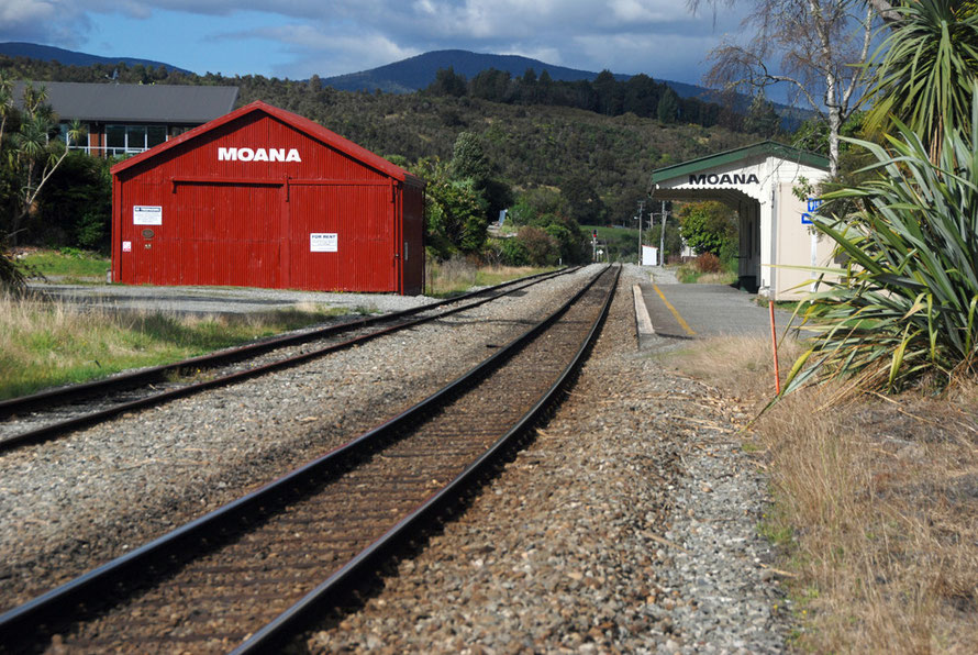 The station at Moana on the Midland Line
