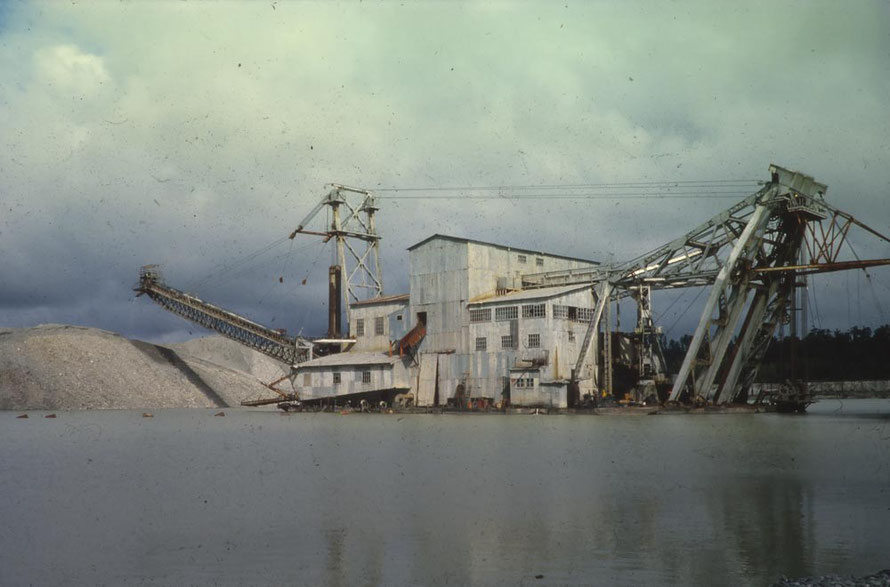 The 'Kaniere' Dredger on the Taramakau River est of Hokitika  (Sir George Grey Special Collections, Auckland Libraries, 1021-1869)