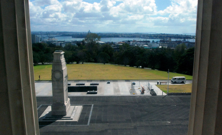The Auckland Cenotaph and the Court of Honour seen from the Auckland War Memorial Museum. The Waitemmata Habour can be seen in the background.