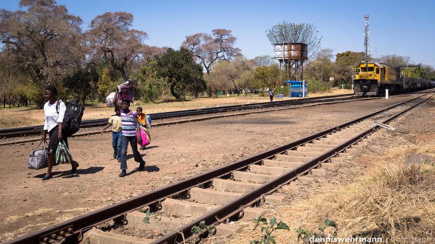 main station victoria falls simbabwe... omd-em10, 17mm; f6.3; 1/800 sec.; iso 200
