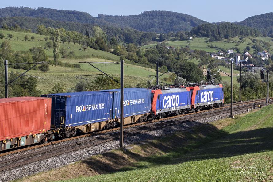 SBB Cargo Re 484 Doppeltraktion bei Hornussen