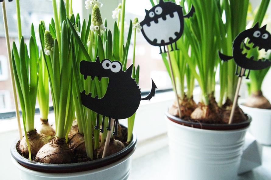 Urban Jungle Blogger Alltagsabenteuer Alltagsabenteurer Frühlingsblumen Fensterbank Monster Frühling Alltag