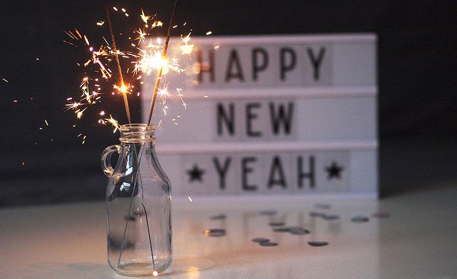frohes neues Jahr Wunderkerzen happy new yeah lightbox Lichtbox Freizeit Freizeitblog Silvester Hamburg Alltagsabenteuer Alltagsabenteurer