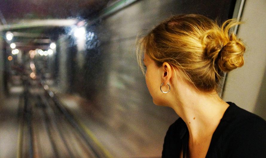 Metro Bahn U-Bahn Barcelona Spanien Freizeit reisen travel Alltagsabenteuer