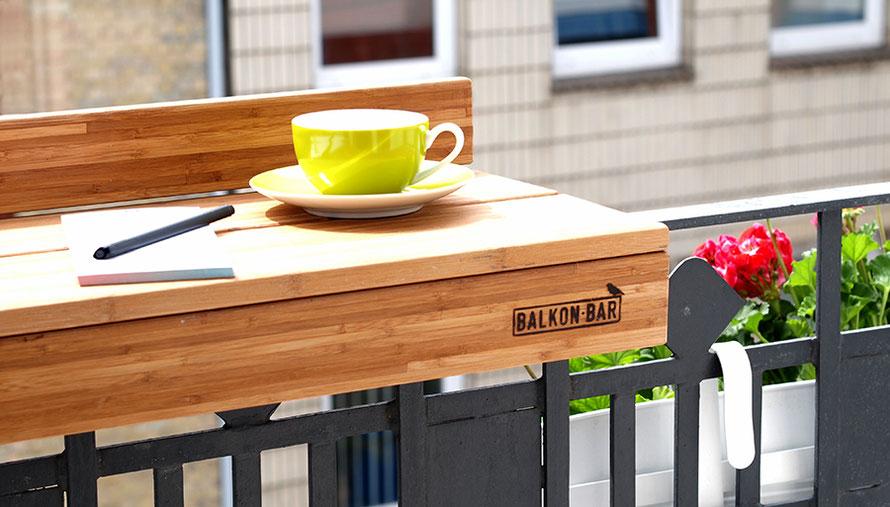 Balkon Urlaub auf Balkonien Kaffee Geranien Urban Gardening Blumenkasten Freizeit Outdoor Microadventure Alltagsabenteurer Alltagsabenteuer Mikroabenteuer
