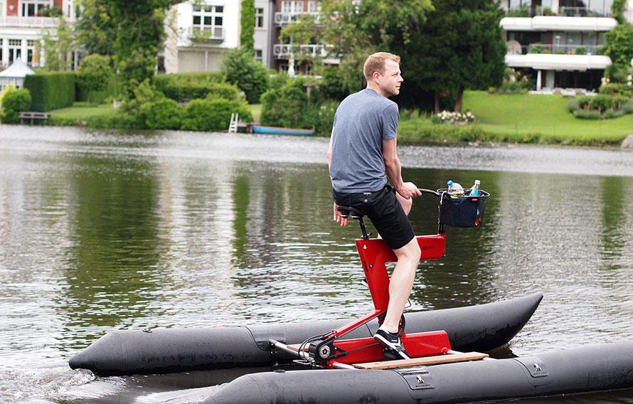 Alsterradler Schillerbikes Schiller Bikes Hamburg Radtour Wasser Verleih Tretboot fahren Alster Ausflug Alltagsabenteuer Alltagsabenteurer