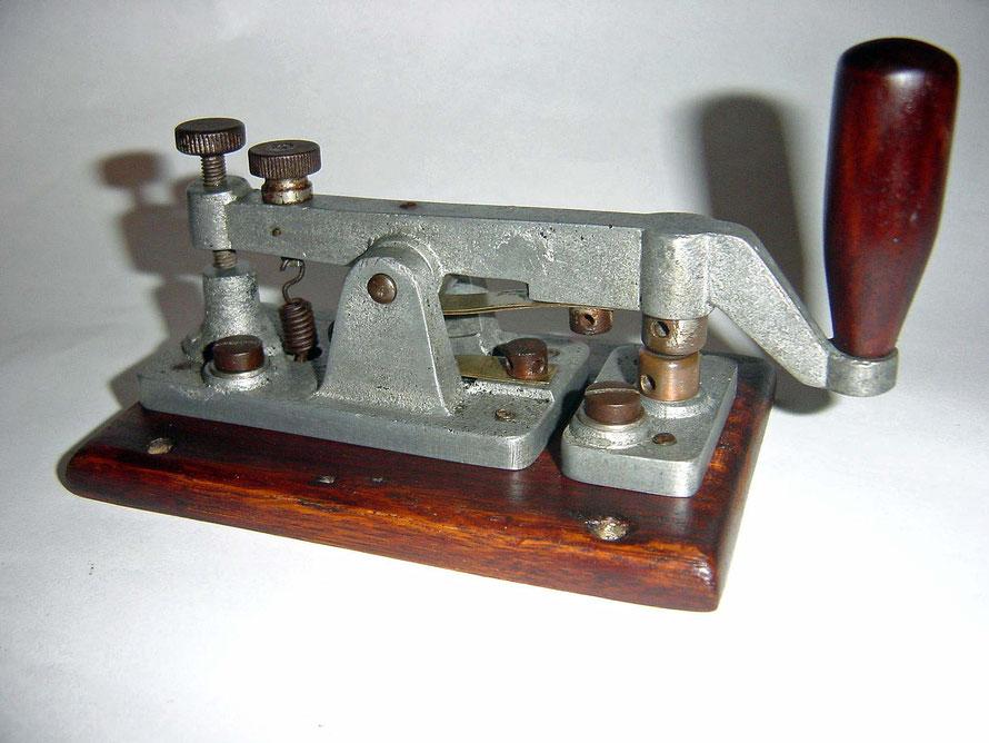 German Morsetaste Telefunken. Circa 1910. Key with heavy contacts.