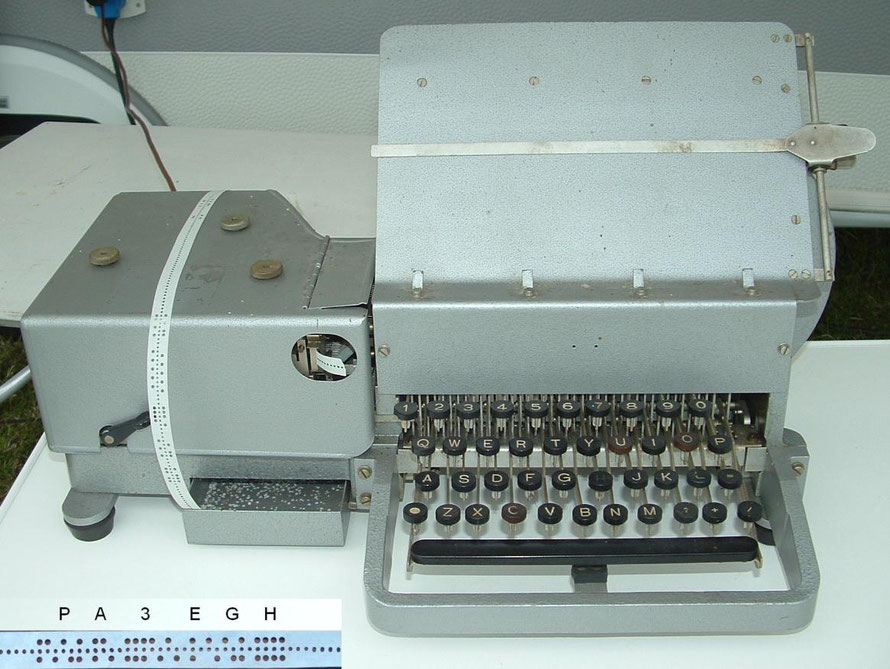 German - Wheatstone Telegraph Morse code Perforator. Made by Hell Typ TL 1c.