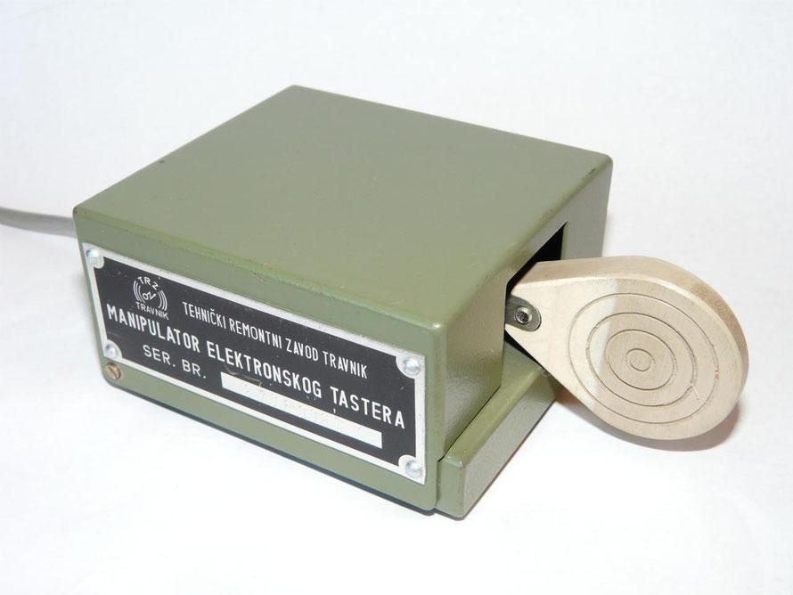 Yugoslavia. Bosnië. Single paddle key.  (Manipulator elektronskog tastera. Tehnicki remontni zavod travnik.)
