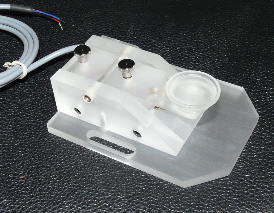 Hand made telegraph key by Hans PE1ECO. This key has been made of polycarbonate.