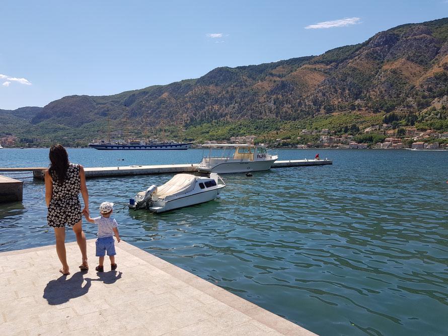montenegro kotor promenade