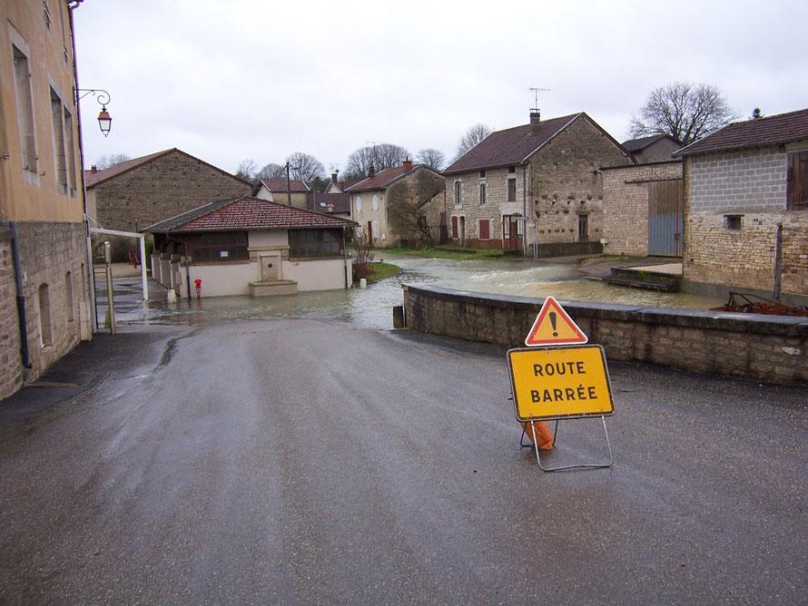 La Marne n'est pas toujours très sage et vient couler dans les rues basses du village. Le 22 janvier 2018
