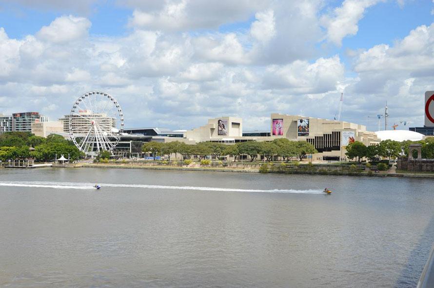 """So, und vom QPAC (Queensland Performing Arts Centre habe ich nun auch ein """"eigenes"""" Foto und die Frage, ob das Riesenrad immer steht"""
