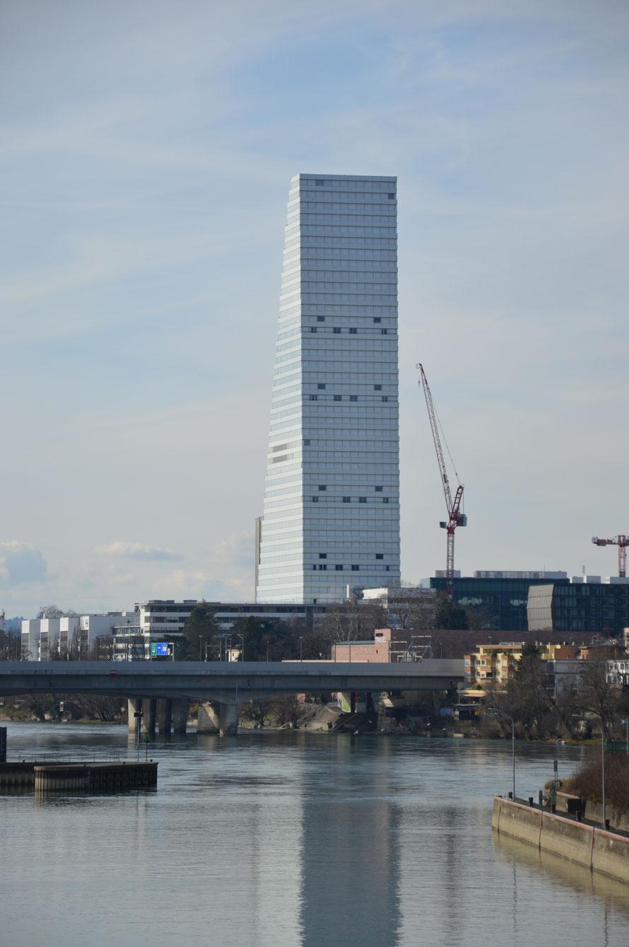 Der Roche Turm mit seinen 178 Metern.