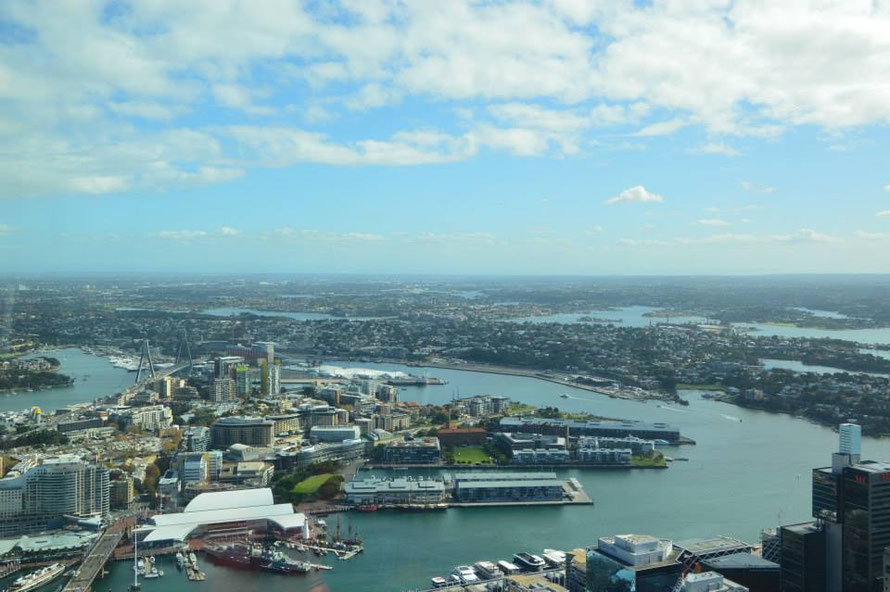 Darling Harbour mit Maritime Museum unten links