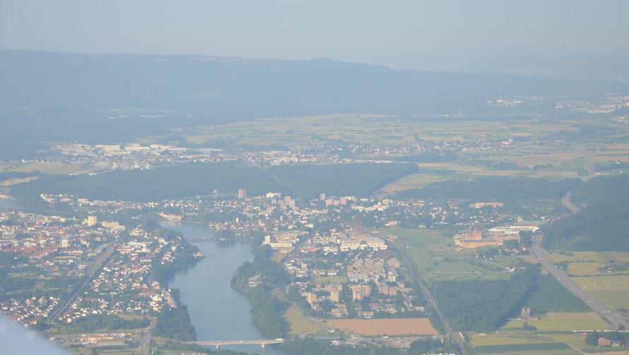 Blick Richtung Feldschlösschen, Rheinfelden und im Hintergrund Möhlin
