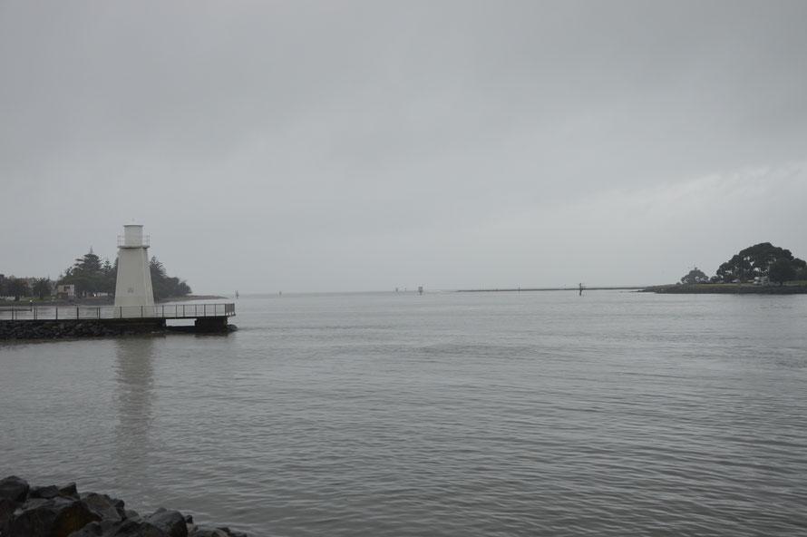 Die Flussmündung zum Meer