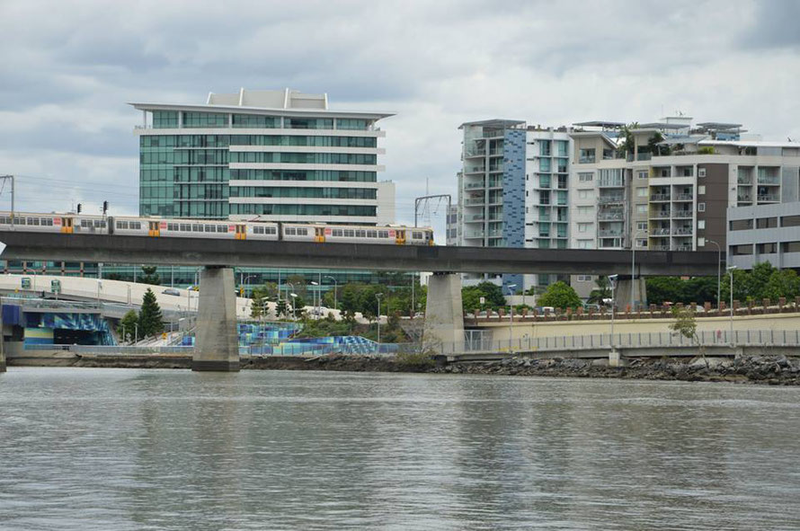 Der Zug, den ich jeweils für ins Theater genommen habe: Central Station über Romastreet zum South Brisbane Station: