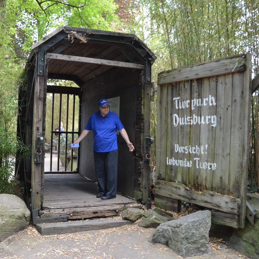 In solchen Transportboxen wurden die ersten Elefanten nach Duisburg gebracht.