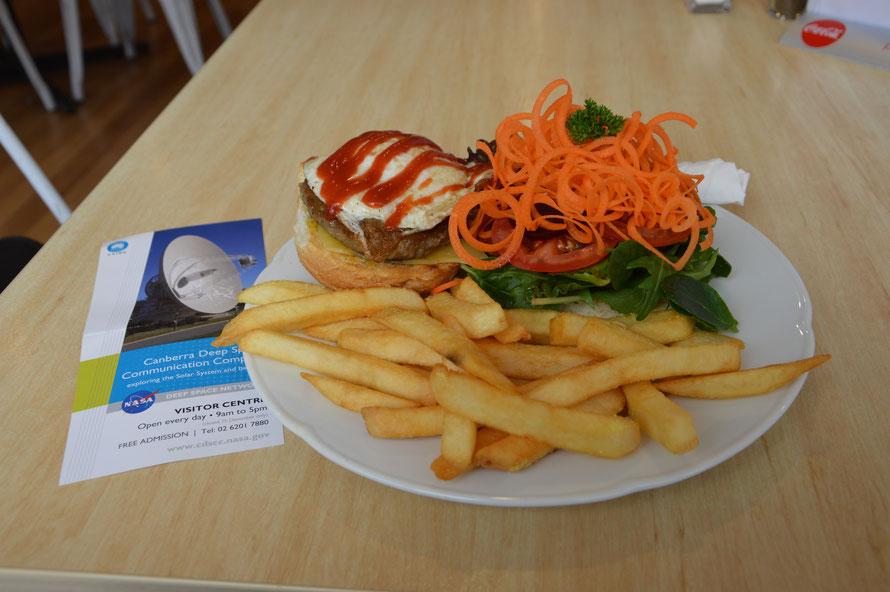 Zu meiner Verteidigung: es gab sonst nicht wirklich was leckeres zu Essen ausser Burger (und es war ja einiges Grünzeug mit dabei) :-)