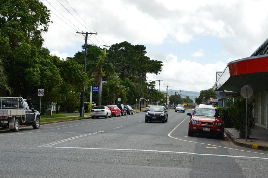 Die Hauptstrasse von Proserpine