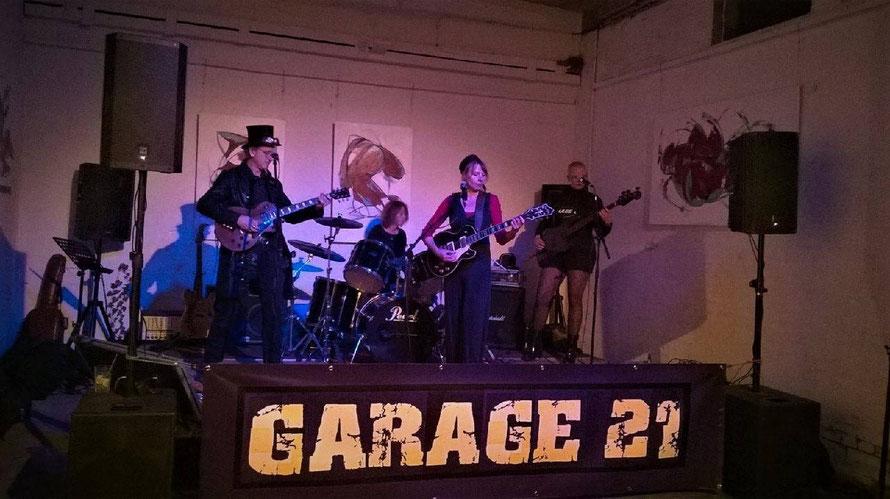 Garage 21 - Vernissage Kunsttankstelle Lübeck