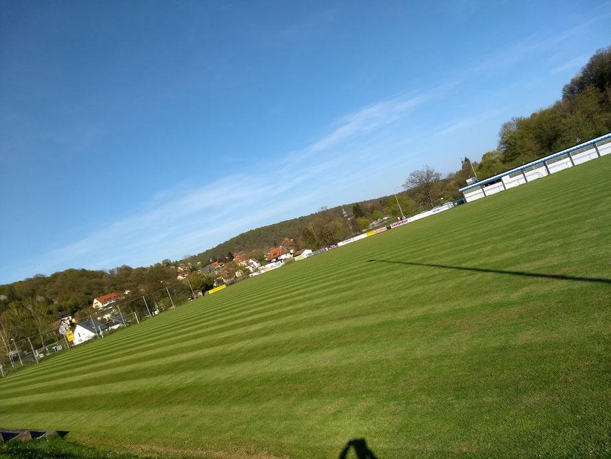 Impressionen vom Weiherseestadion (Tribünen, Funktionsgebäude und Stadion)