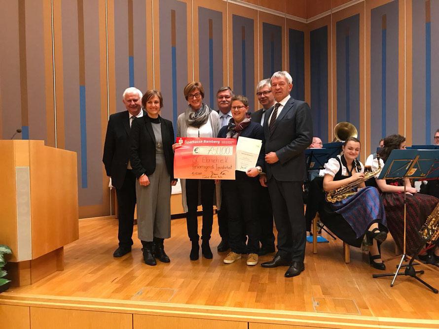 Den SC Ebrach vertraten Ruth Becker, Abteilungsleiterin Turnen (3. v. l. ) und Petra Komander, 2. Vorstand (3. v. r.) beim Festakt in Bamberg.
