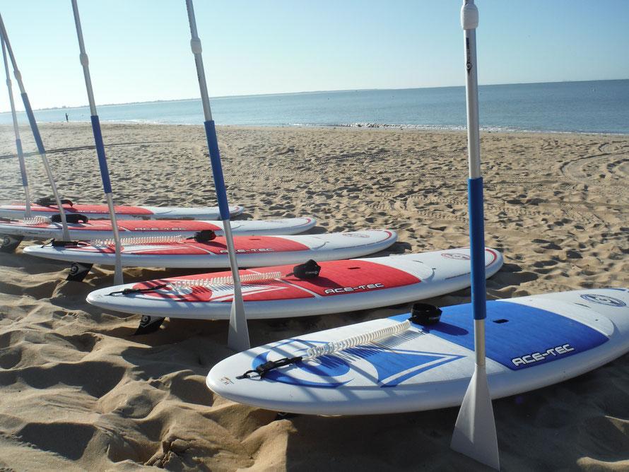 SUP et Stand Up en location à WaterFun, La Tranche-sur-mer, plage porte des Îles en route pour les sensation de glisse et balade