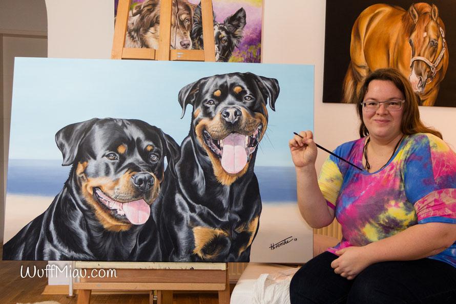Künstlerin Hanna Stemke hat sich auf große Acrylgemälde spezialisiert