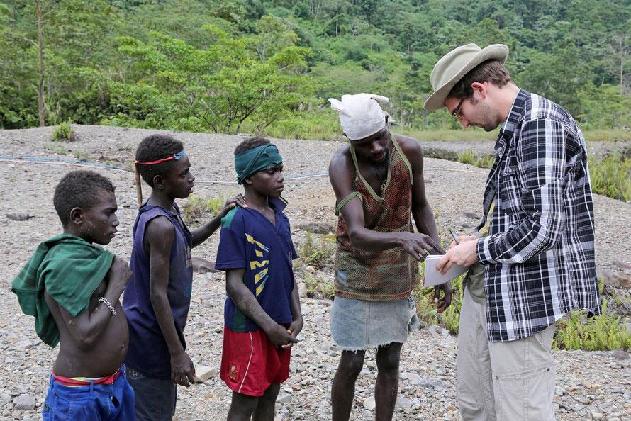Goldsucher in der Panguna-Mine / Insel Bougainville / Papua-Neuguinea 2012