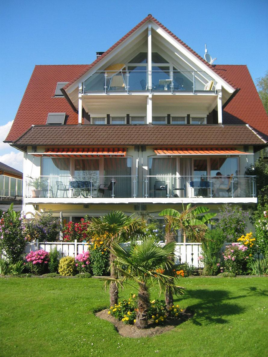 Bild: Ferienwohnungen in Hagnau am Bodensee mit Seesicht.
