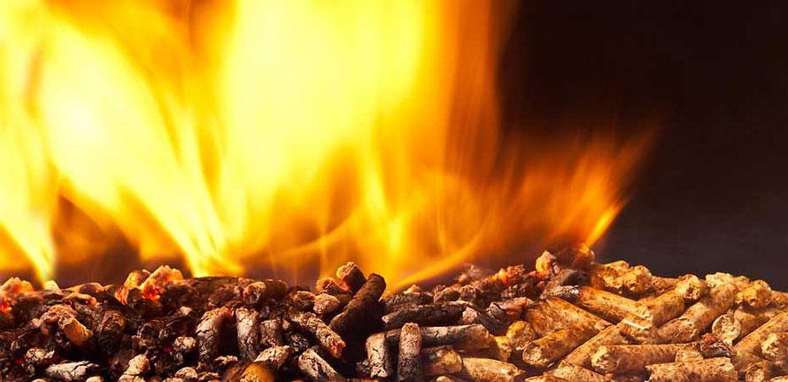 Feuer im Pellets-Ofen