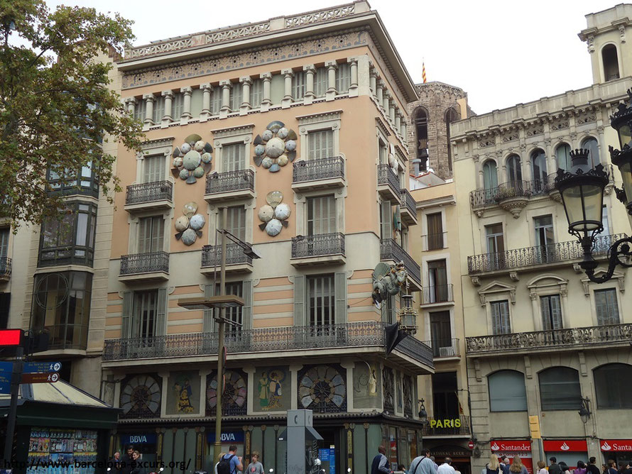 Дом Бруно Квадраса на бульварах Рамблас