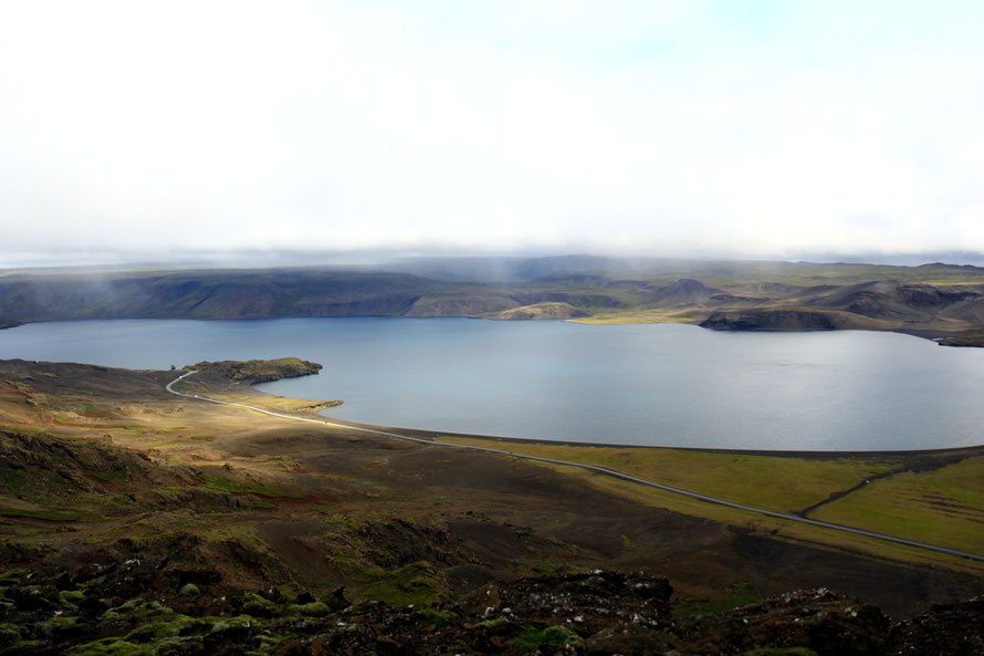 La pluie arrive au dessus de Kleifarvatn