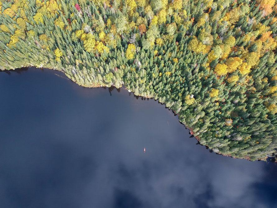 Et oui là c'est moi, dans le petit kayak tout en bas !