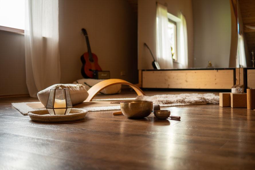 Yoga im Studio Quamar in Meckenbeuren Madenreute ideal gelegen zwischen Friedrichshafen, Ravensburg und Langenargen