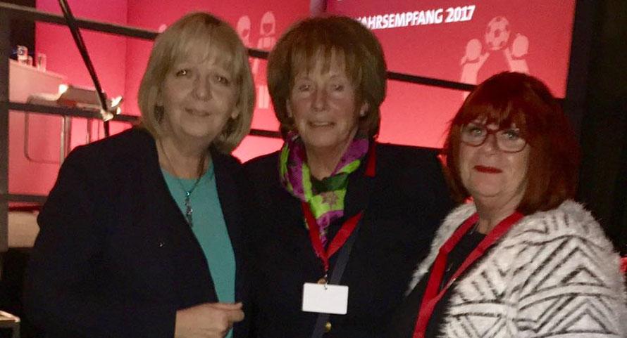 Ministerpräsidentin von NRW Hannelore Kraft, Giesela Werda, Dörte Kaul (von links)
